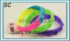 Hot silicone bracelet