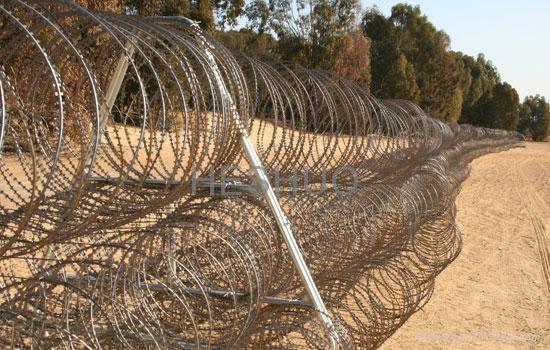 Pyramid razor wire fence - HS05092012 - HEHSUO (China Manufacturer ...