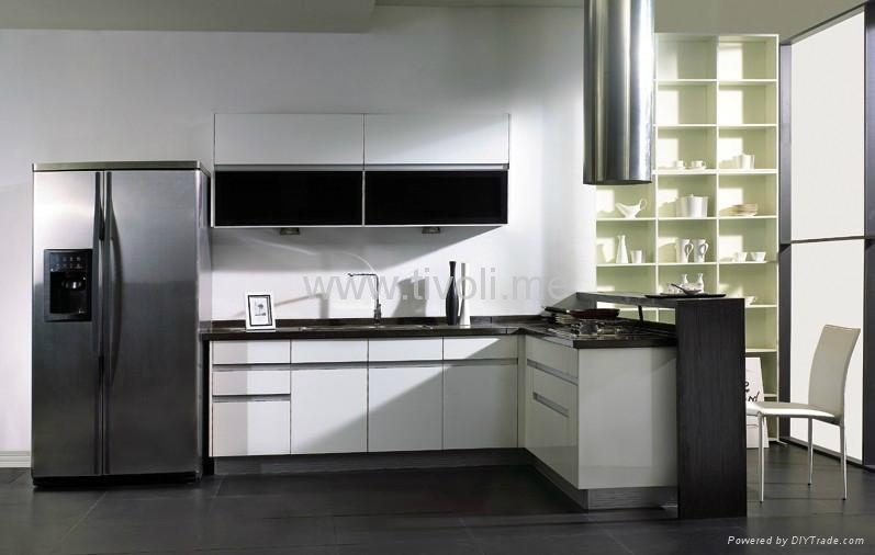 White kitchen cabinets material for Shiny white kitchen cabinets