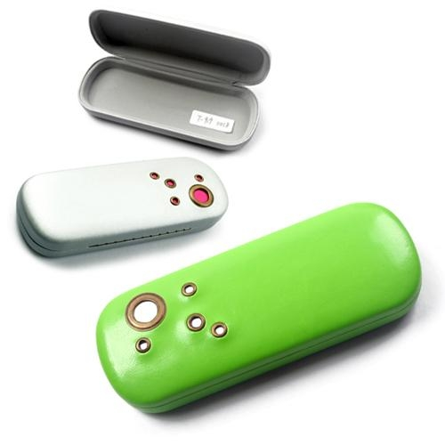 iron glasses case with cleaning cloth  5