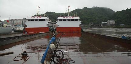 1800ton self-propeller barge 1