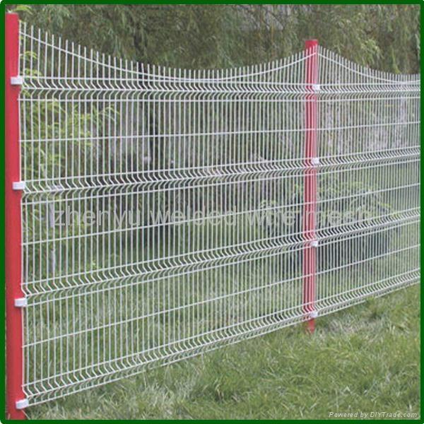 White Plastic Garden Fence 1 ...