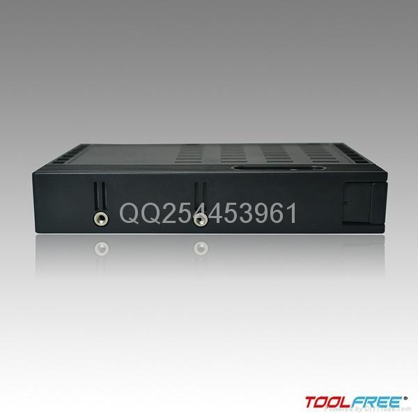 2.5轉3.5英吋硬盤轉接盒 5