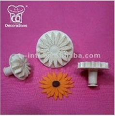 Fondant Decorating Plunger Cutter