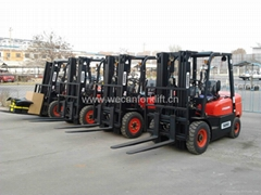 2.5T forklift with 3stage 4.5m mast