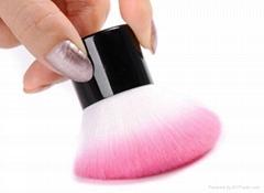 mini kabuki powder brush