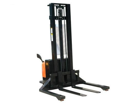 全电动堆高车宽支腿型 1