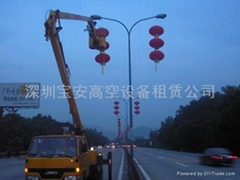 廣州節日燈籠彩旗摘挂高空作業車出租