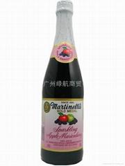 起泡苹果黑莓汁