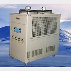 風冷箱型冷水機組