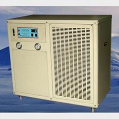 水冷箱型冷水機組