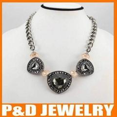 2013 new design ladies accessories glass necklace