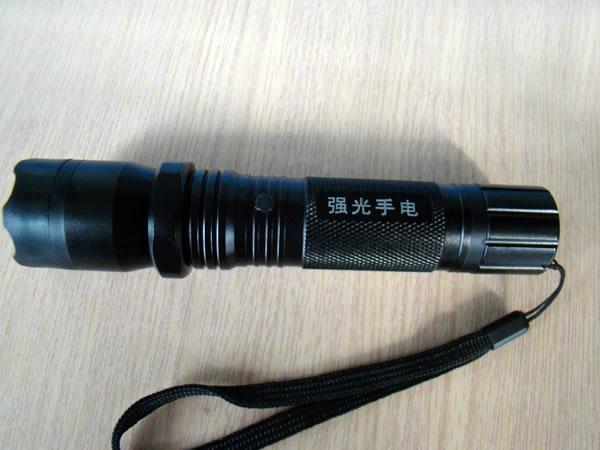 強光手電 1