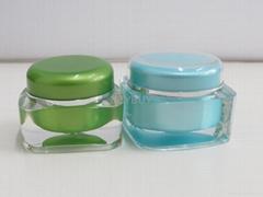 square acrylic cream jar with round cap