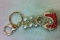 珍珠-镶钻-手提包钥匙扣