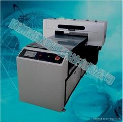 打印精度高达2880DPI彩歌A1UV平板打印机