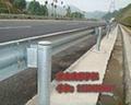 波形护栏立柱结构