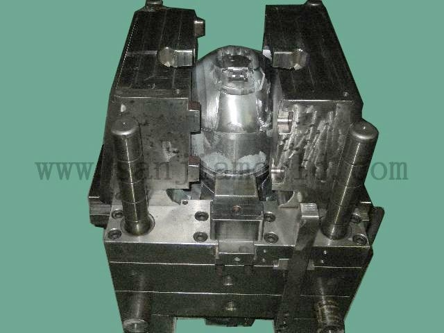 Motorcycle helmet mould(injection mould,plastic mold) 2