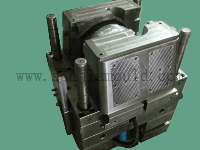 Motorcycle helmet mould(injection mould,plastic mold) 3