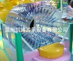 儿童淘氣堡水上滾筒