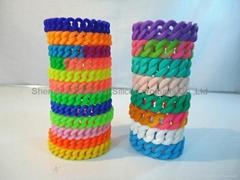 2012 New design Silicon bracelets