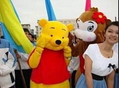 卡通服装人偶维尼熊