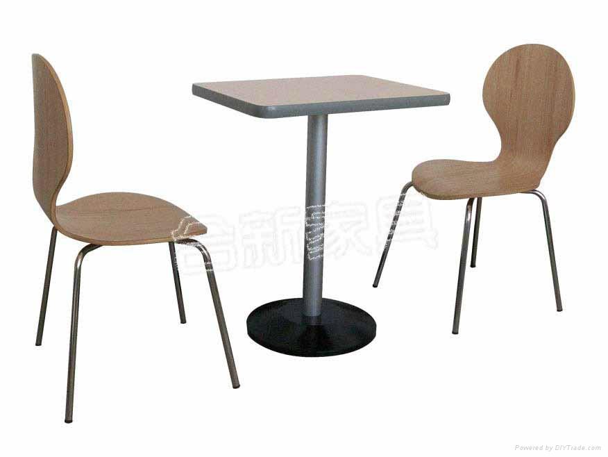 快餐桌曲木椅 1