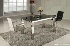 客厅不锈钢餐台