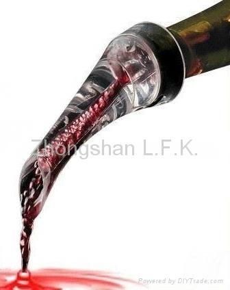 Eagle Wine Aerating Pourer 2