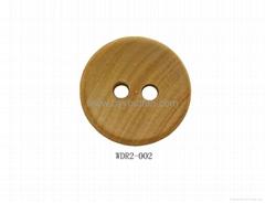 Round wooden shirt button