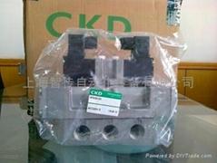 CKD电磁阀4F620-20-AC220V
