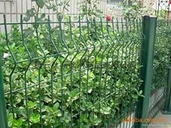 供应桃形柱护栏网