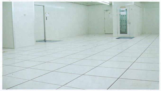 全钢PVC防静电地板 4