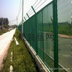 桥梁钢板网隔离栅