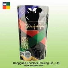 Colorful printing plastic wine bagi in box with va  e