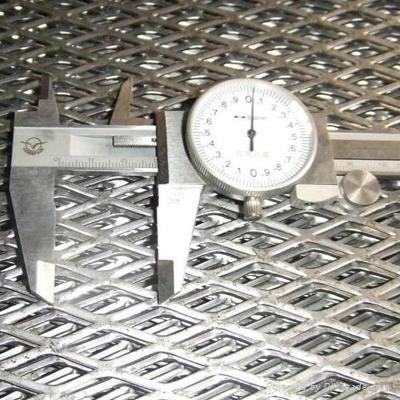 不锈钢钢板网 1
