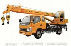 8吨微型汽车吊车