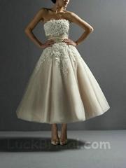Applique Wedding Dress Elegant A Line Strapless Sash Bridal Gown