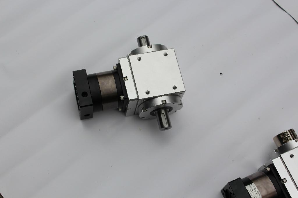 台湾拐角减速机/RXW085AL1-3-C 2