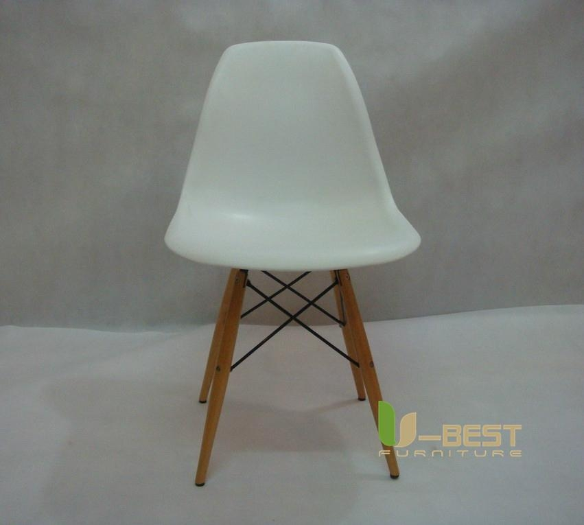 Eames DSW Chair in ABS 2