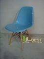 Eames DSW Chair in fiberglass 3