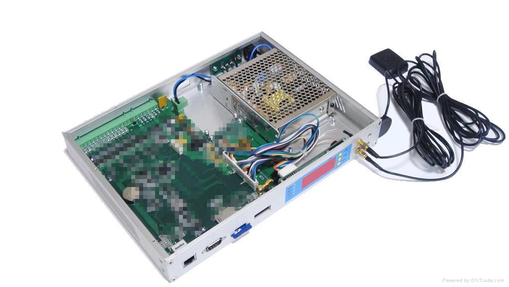 太阳能无线信号机 4