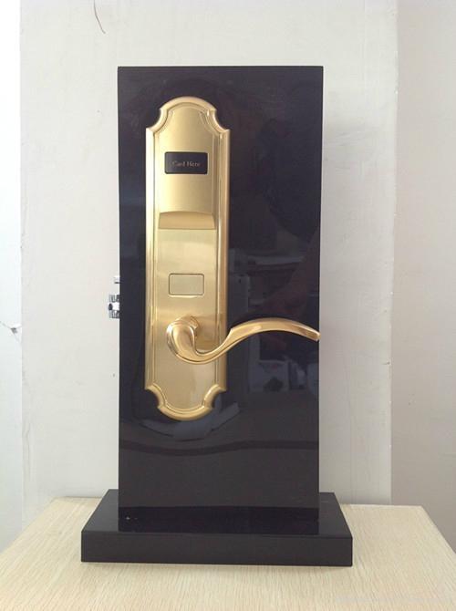 電子門鎖 1