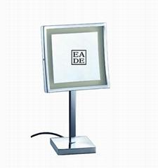 Desktop magnifying mirror illuminated