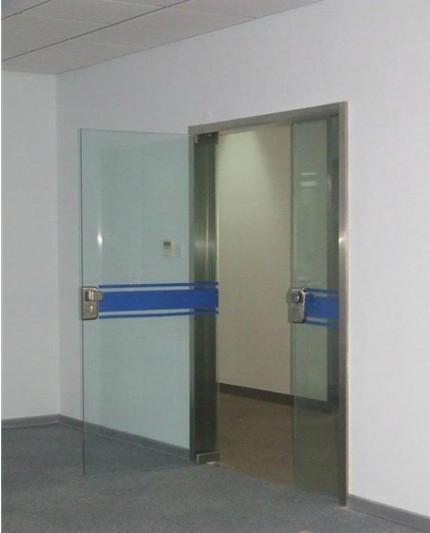 办公室贴膜玻璃隔断 1