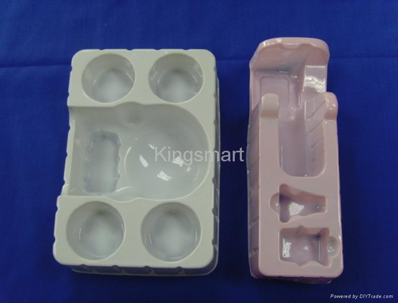 Vacuum forming Clamshell blister packing  1