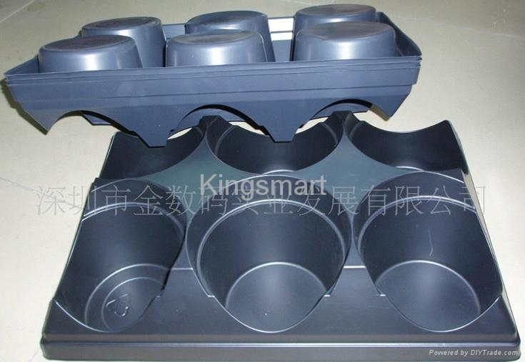 Vacuum forming plastic trays for pottings 1