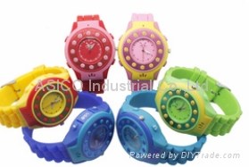 Children Watch Tracker with SOS Button and Bluetooth and  Stereo Speakers 2