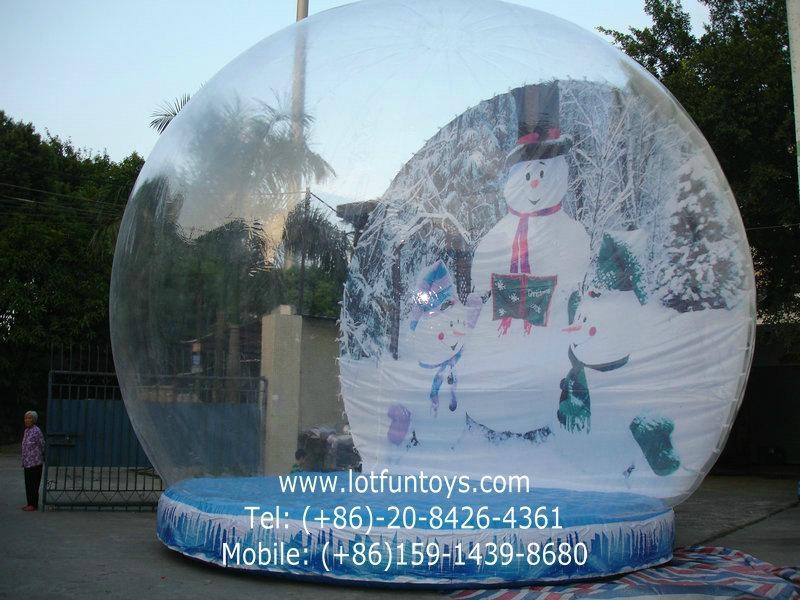Giant Inflatable Human Snow Globe for Christmas Holiday 3