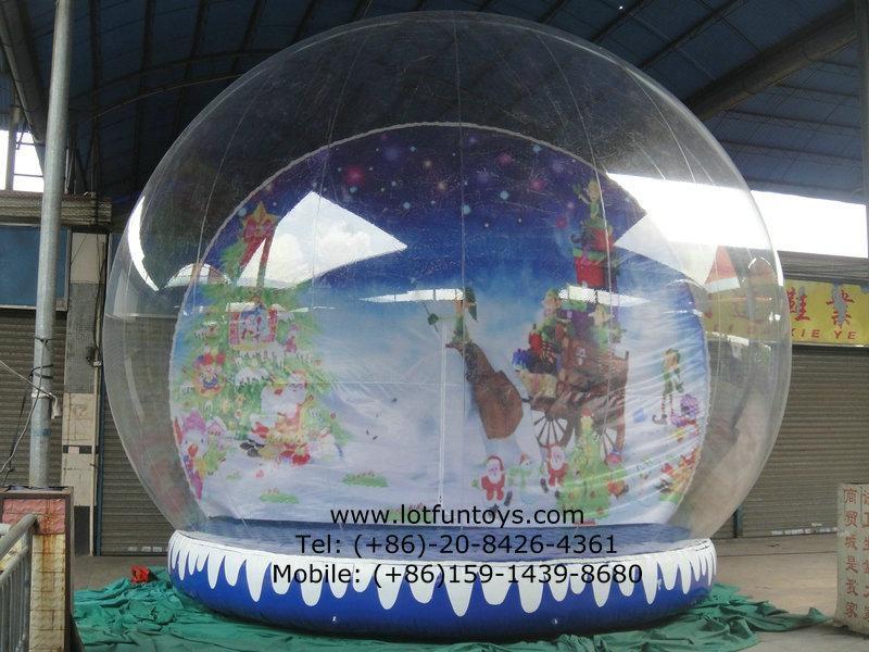 Giant Inflatable Human Snow Globe for Christmas Holiday 4